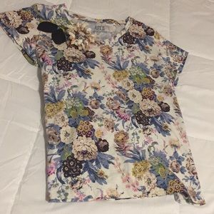 Uniqlo Floral Short Sleeve Shirt 🌸